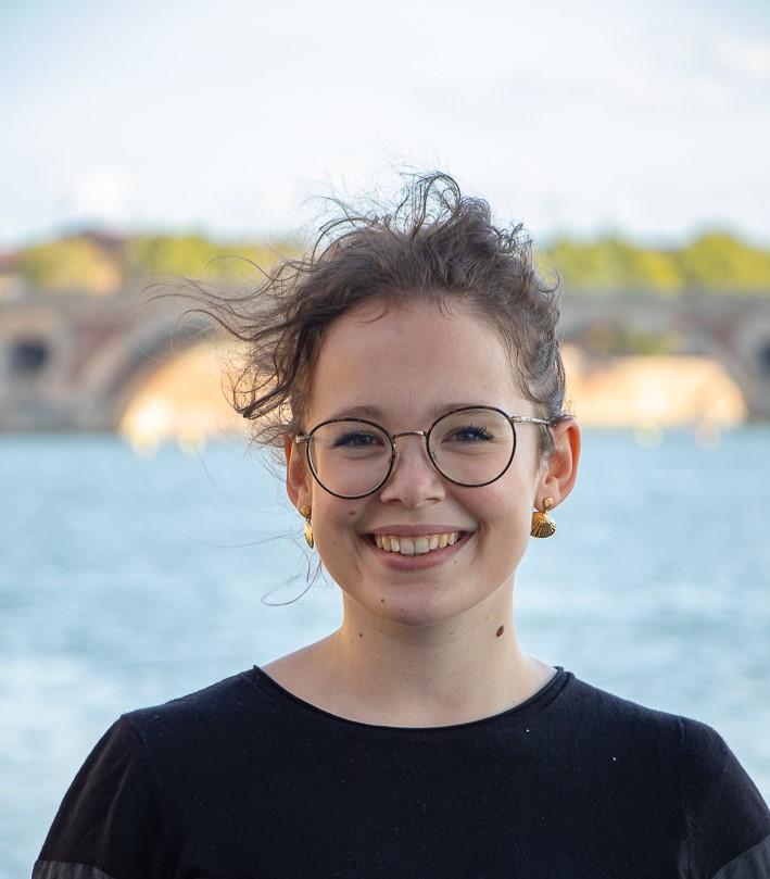 Chloe Costini